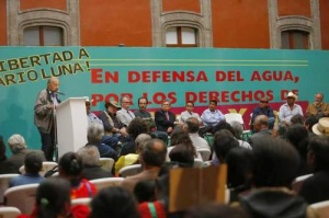 Historian Adolfo Gilly speaks at forum seeking release of Yaqui leader Mario Luna Photo: Carlos Ramos Mamahua