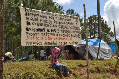 Displaced families from the Primero de Agosto community (@Koman Ilel)