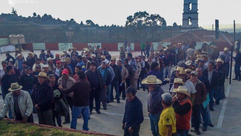 Votación-como-en-Cherán-elección-asamblea-comunal-Huitzizilapan_Aldabi-Olvera-800x450