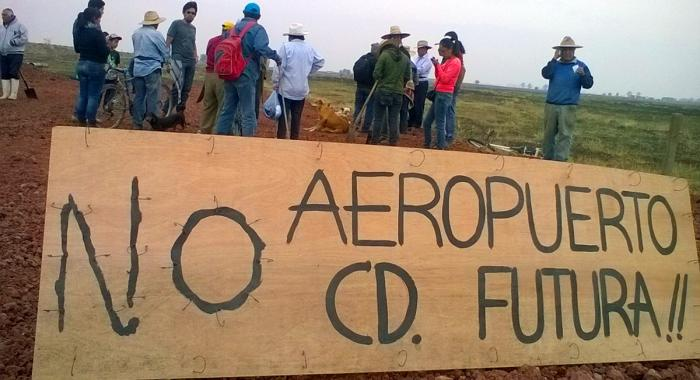 Atenco Francisco Navarro_Somoselmedio