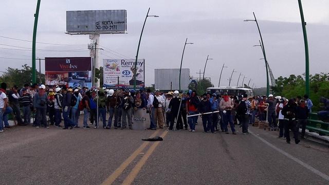 chiapas-airport-blockade