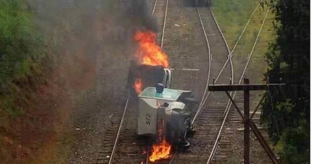 michoacan-train-track-burning-protest