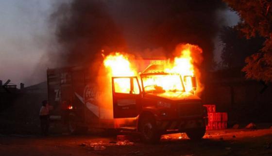 michoacan-normalista-barricade